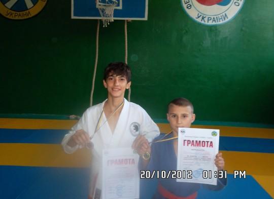 Областной турнир по боевому самбо среди юниоров в Торезе